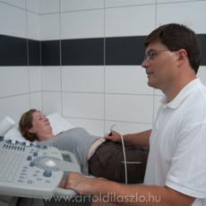 Dr. Toldi László szülész-nőgyógyász