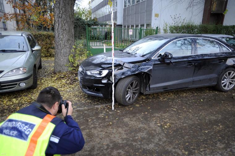 Ezzel a kocsival gázolták halálra az idős férfit (fotó: Mihádák Zoltán - MTI)